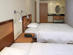 The double room of the Country Lodge Nairobi City Hotel